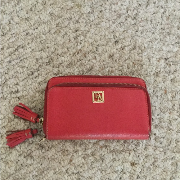 Dooney&Bourke double zip wallet